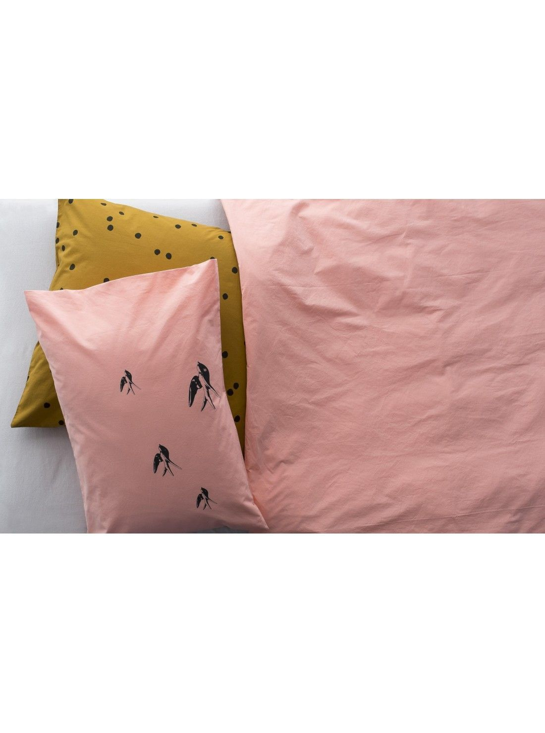 housse de couette unie housse de couette unie 240x260 2 taies 65x65 noir housse de couette. Black Bedroom Furniture Sets. Home Design Ideas