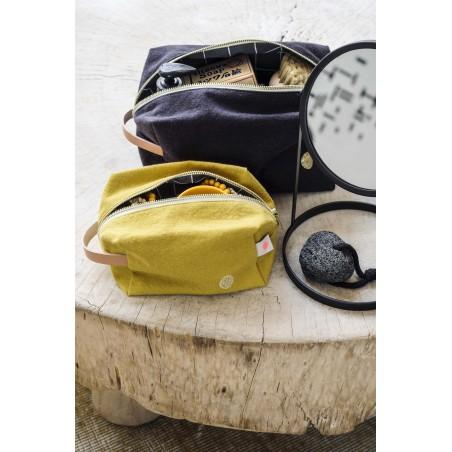 Product photo POUCH CUBE IONA CAVIAR GM